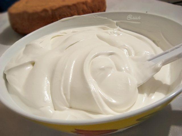 Крем для бисквита из масла и сахара