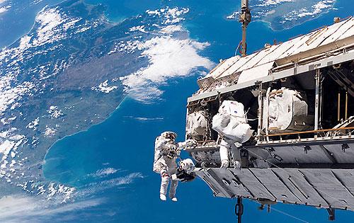 617 10 космических инноваций, которыми люди пользуются ежедневно