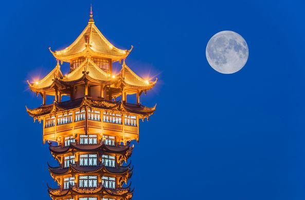 Китай запустит в небо искусственную Луну