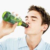 Ежедневное злоупотребление алкоголем на протяжении 10 лет приводит к полной деградации личности