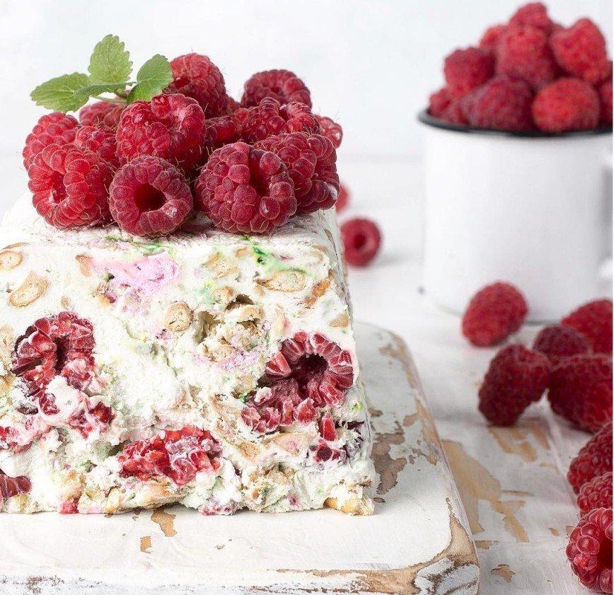 Прощание с летом: 5 десертов с малиной