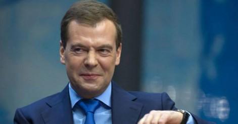 «Село – столице – похмелиться». Пенсионер вернул Медведеву прибавку к пенсии