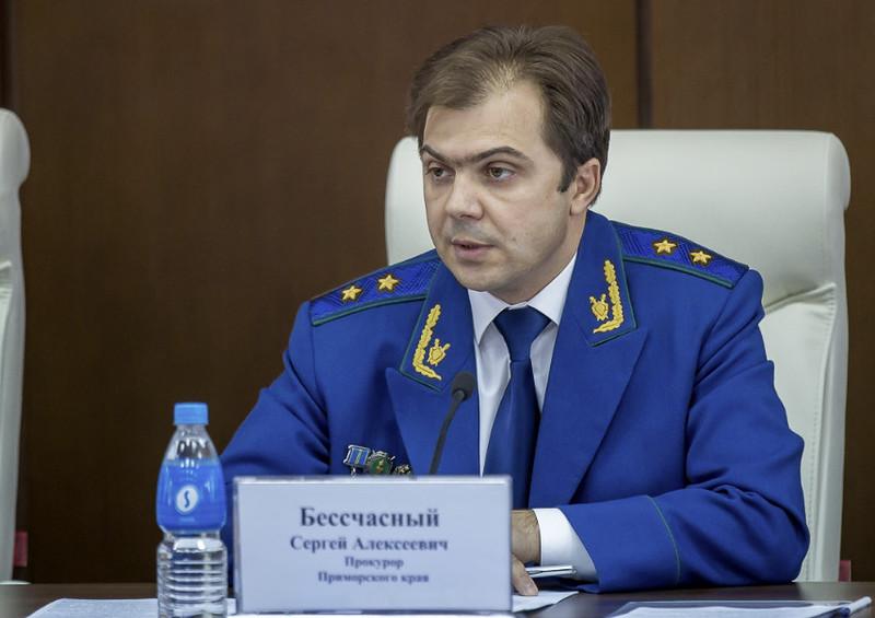 Прокурор предложил депутатам питаться на 182 рубля в день. Я бы на это посмотрел.