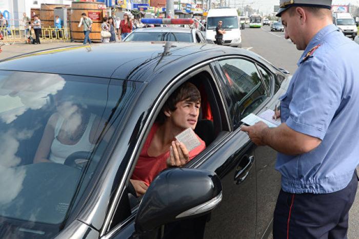 Ловля на живца: ГИБДД сознательно провоцирует водителей на взятки