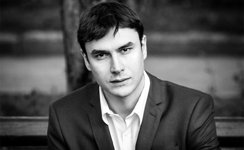 Сергей Шаргунов: Живая стена