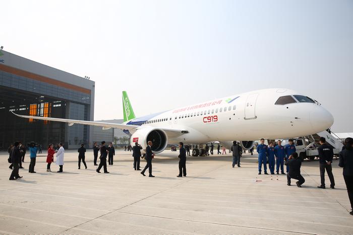 Портфель заказов на китайский пассажирский самолет COMAC C919 вырос до 730 единиц