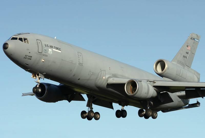 Американский самолет-заправщик перехвачен истребителем ВВС РФ в Сирии