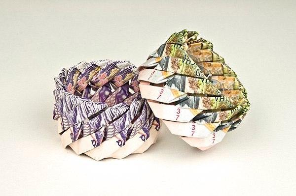 Украшения из денег Tine De Ruysser