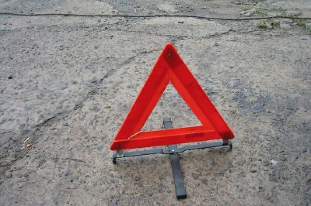 Три человека стали жертвами ДТП с участием такси в Москве