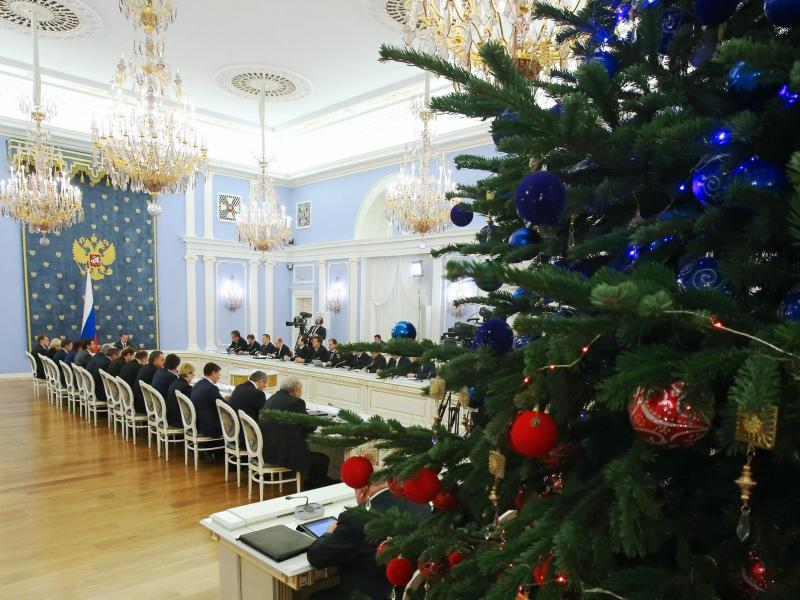 Сколько будут стоить кремлевская елка и другие праздники чиновников