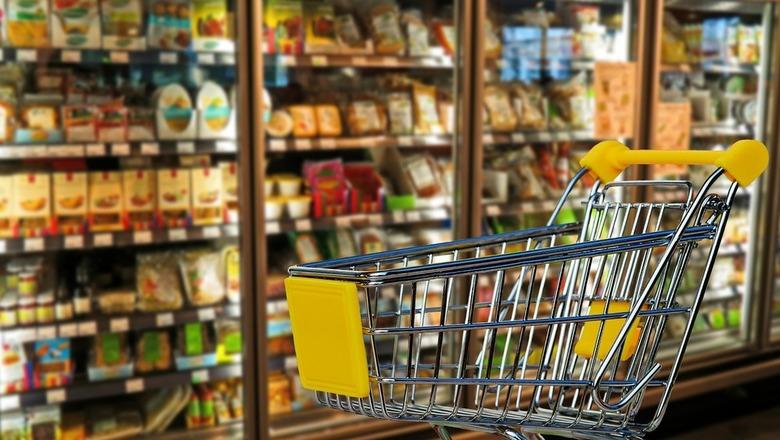Торговые сети напрочь опровергают тезис о росте доходов населения