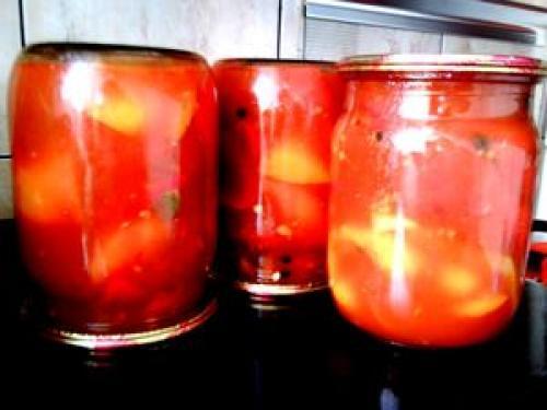 Салат из перца и помидоров в медовой заливке