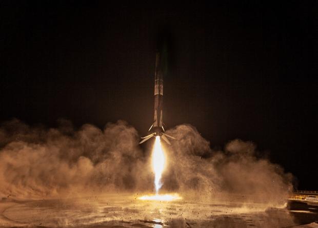 SpaceX впервые запустит дваж…