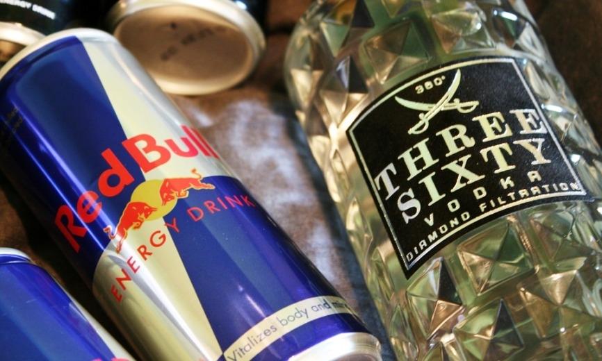 Более 77 тысяч банок Red Bull задержаны в порту Владивостока