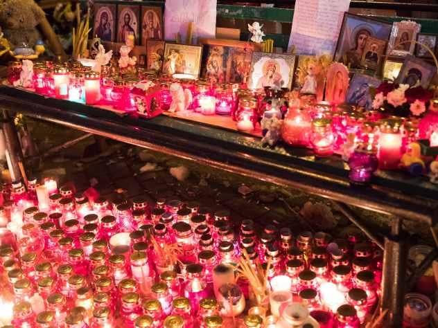 Российские звезды отменяют мероприятия из-за трагедии в Кемерове