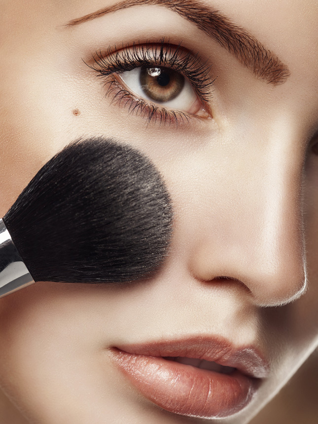 Экспресс-курс: пять способов создать безупречный макияж для дня и вечера