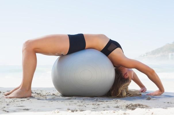 15 упражнений, которые помогут избавиться от боли в спине