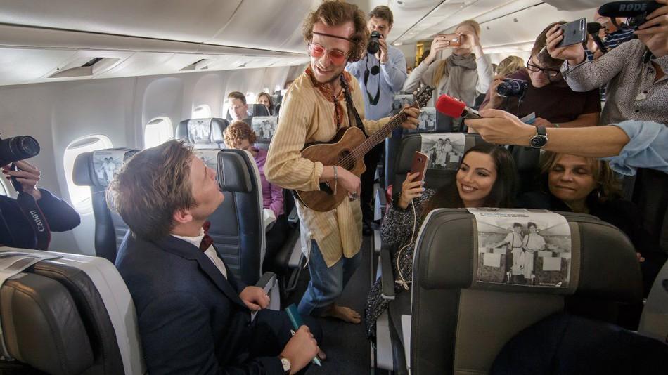 Театр на высоте 10 тысяч метров — новый способ развлечься в долгом полете