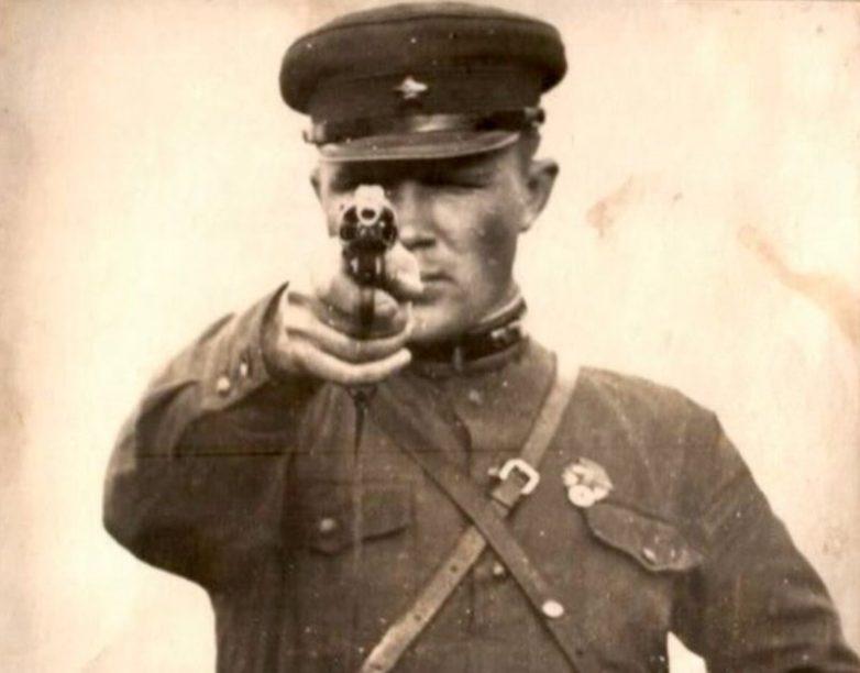 Что должны были делать в случае провала советские разведчики?