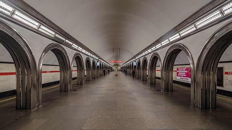 Стали известны сроки открытия метро «Академическая» в Петербурге