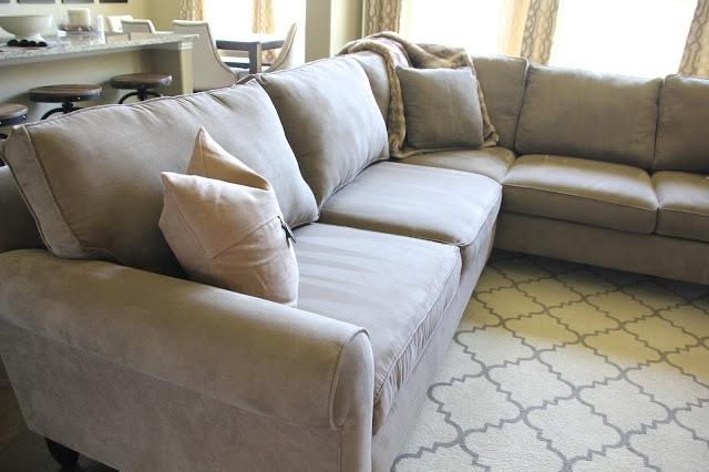 Как вернуть упругость старым диванным подушкам