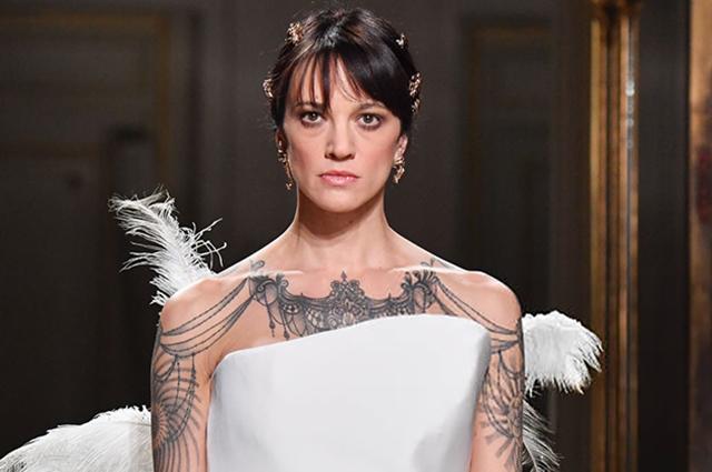 Неделя высокой моды в Париже: Азия Ардженто и Эльза Хоск на показах Antonio Grimaldi и Ralph&Russo сезона весна/лето-2019