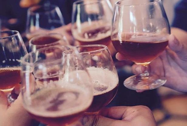 Ученый назвал алкоголь ключом к выживанию человечества