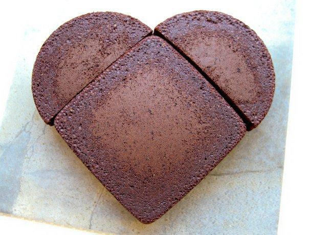 882332bbce1e Как легко  сделать торт в виде сердца. Мастер класс