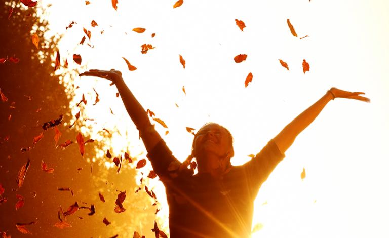 Как преодолеть влияние других людей на ваше счастье.