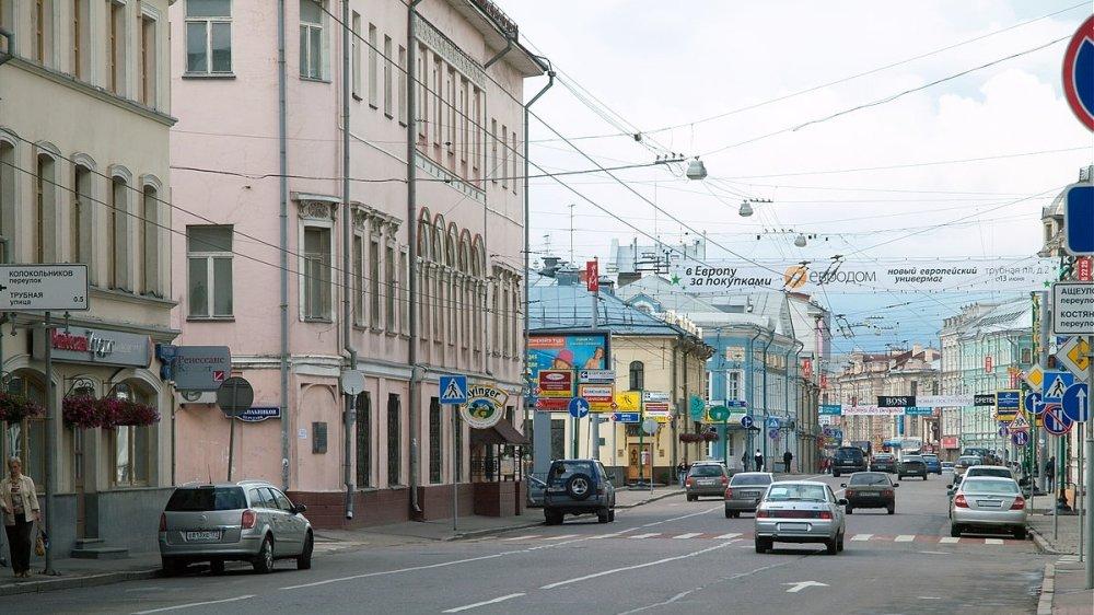 Московских водителей просят не выезжать на выделенные полосы для автобусов во время работ по реконструкции