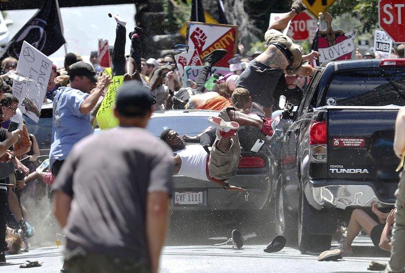 Кровавое шествие в Вирджинии или  Гражданская война в США 2.0: кто и зачем качает Штаты
