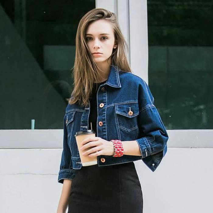 Короткая джинсовая курточка.   Фото: shopogolik-club.