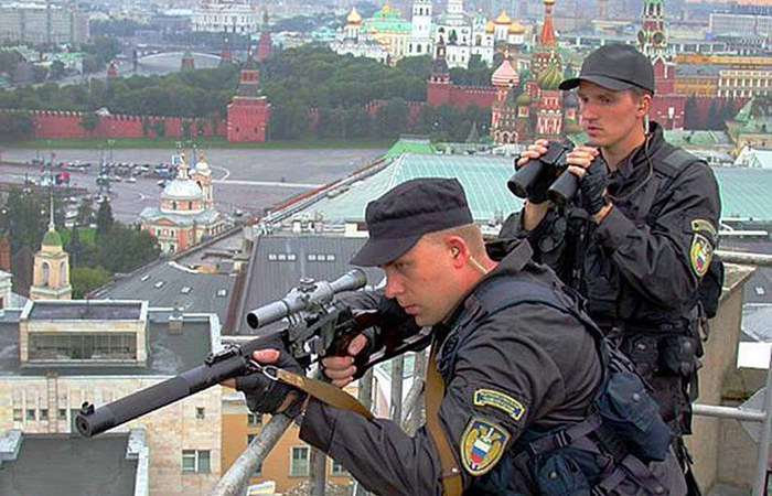 Снайперы российских спецслужб в Москве. | Фото: warbook.info.