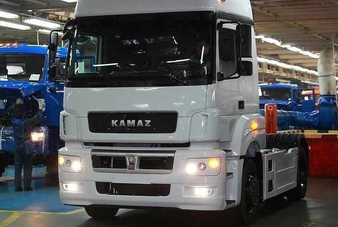 КАМАЗ-5490 NEO: собраны первые модернизированные тягачи