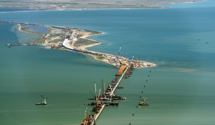 Крымский мост заблокировали …
