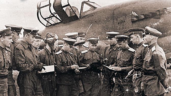Горы трупов: как летчик Соколов уничтожил смертоносную колонну фашистов