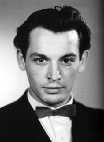 Вячеслав Тихонов и еще 12 кинокрасавцев советского экрана.