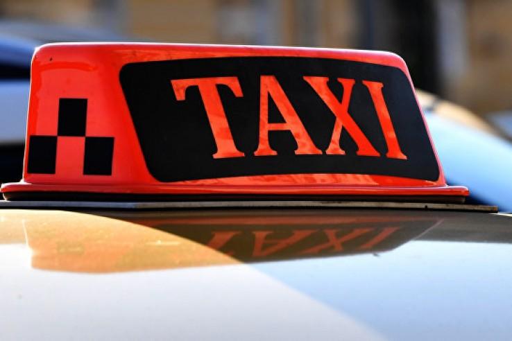 В Феодосии пассажир такси со…