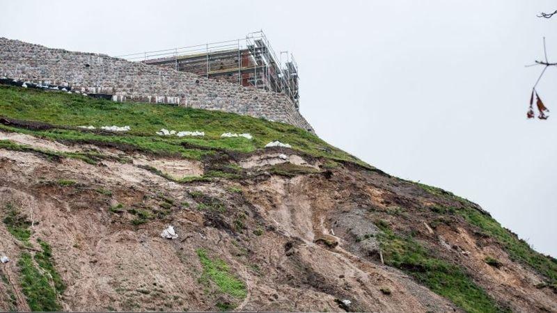 Как разрушается символ государственности Литвы - замковая гора с башней Гедиминаса Вильнюс, башня Гедиминаса, литва