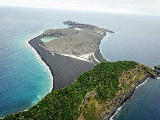 Вулканический остров остров Хунга Тонг