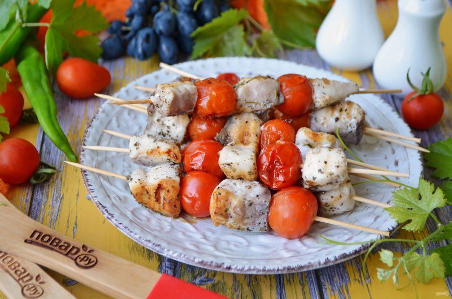 Шашлычок из рыбы с помидорками