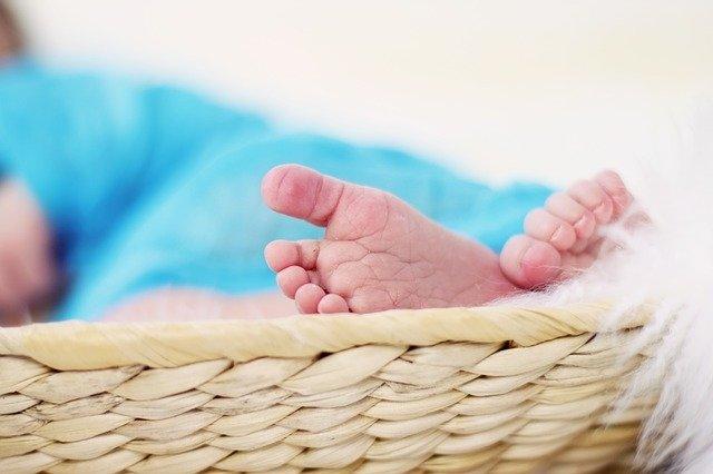 Молодая мать зарезала новорожденного ребенка и бросила его тело в бане