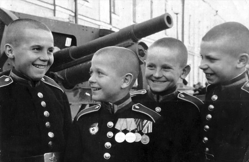 Зачем Сталин учредил Суворовские училища в 1943 году