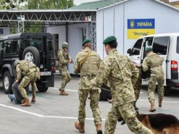 На Западной Украине отряду п…