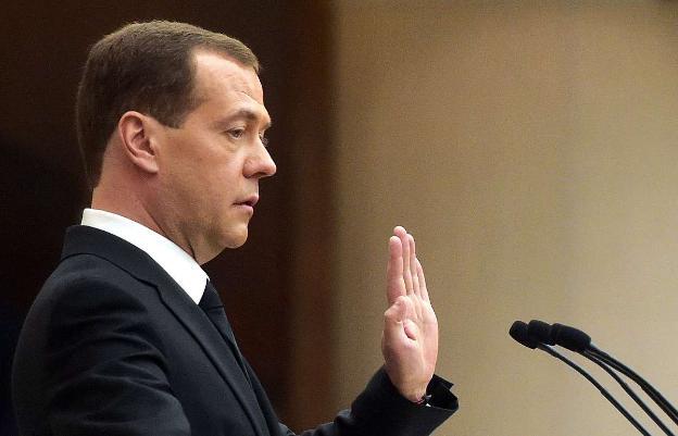 Медведев обещает не повышать налоги 6 лет