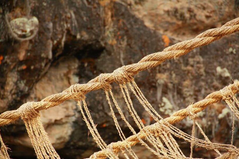 Единственный уцелевший мост древних инков, который плели из обычной травы