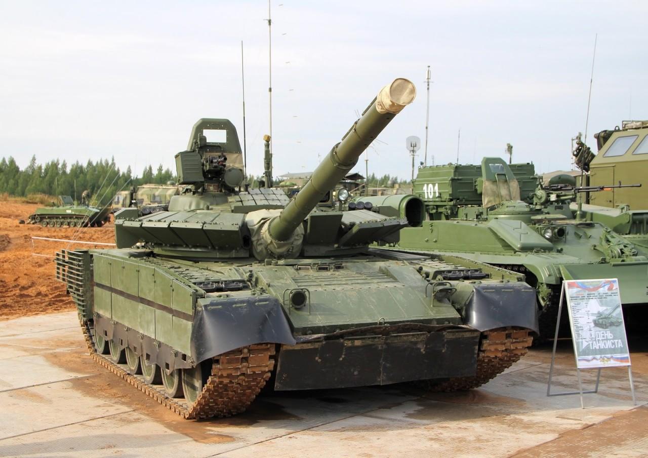 Модернизированный танк Т-80БВМ