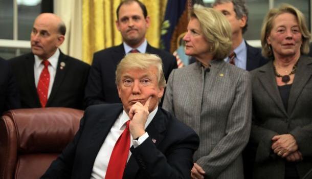 Трамп пригрозил обложить пошлинами китайские товары на $200 млрд