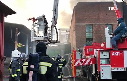 В экстренных службах сообщили о возможности взрыва на заводе во Владикавказе