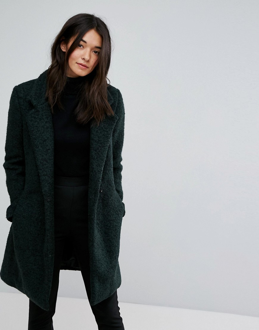 Куртки и пальто
